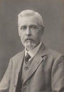 Sir William Mitchell Ramsay 1851-1939 yılları arasında yaşayan İskoçyalı arkeolog. 1885 yılında Oxford'da klasik sanatlar profesörü oldu. 1880 yılından itibaren Anadolu'da arkeolojik incelemelerde bulundu. Erken Roma İmparatorluğu, misyoner yolculuklar ve Hıristiyanlık üzerine ilişkili tüm konularda otorite kabul edildi. 1906 yılında şövalye oldu, Kraliyet Coğrafya Derneği, İskoç Kraliyet Coğrafya Kurumu ve Pennsylvania Üniversitesi tarafından madalya ile ödüllendirildi.